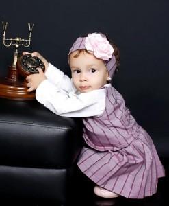vestido infantil lilas com flor de cabelo
