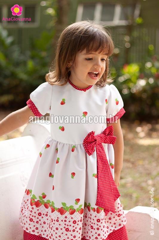 vestido moranguinha