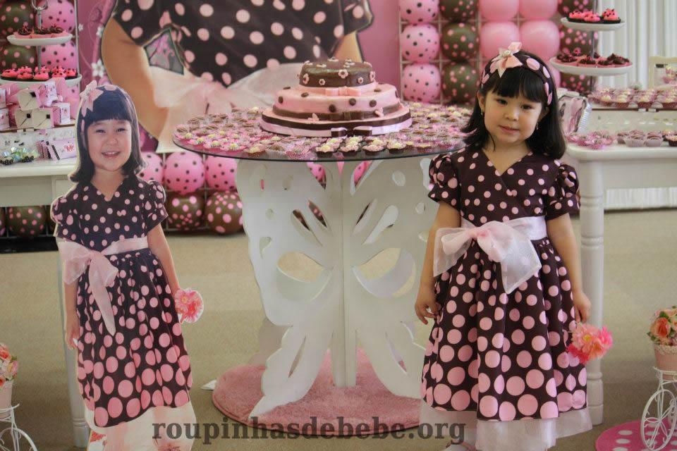 vestido marrom e rosa menina