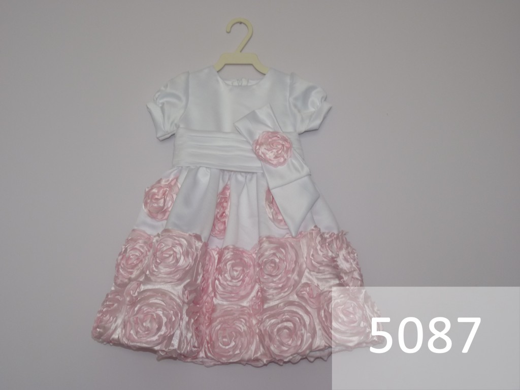 Vestido Rosa com Branco