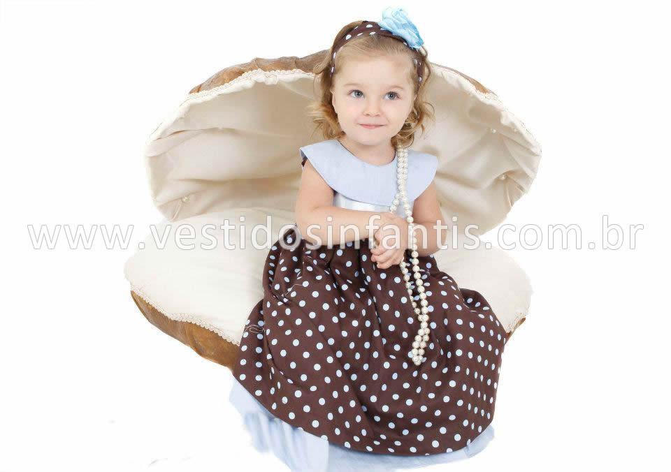 vestido infantil marrom e azul