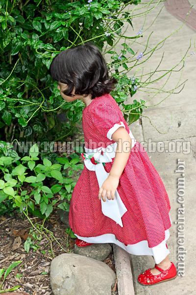 roupa infantil da moranguinho