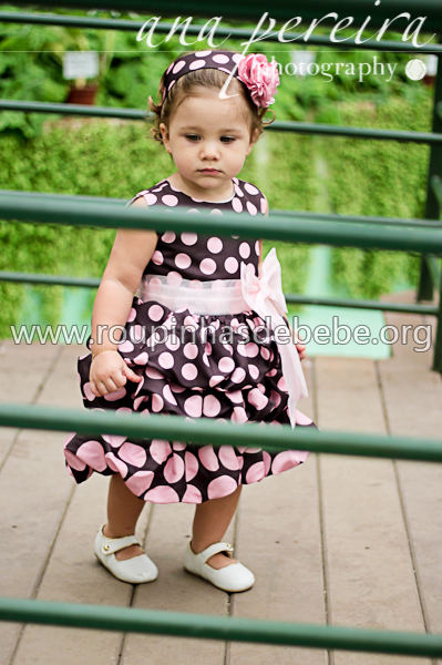 roupas infantil marrom e rosa feminina