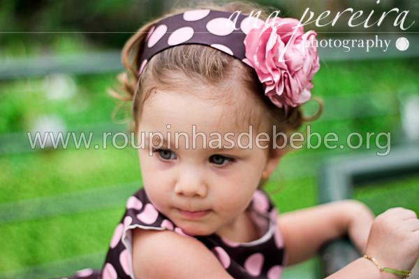 roupas infantil marrom e rosa