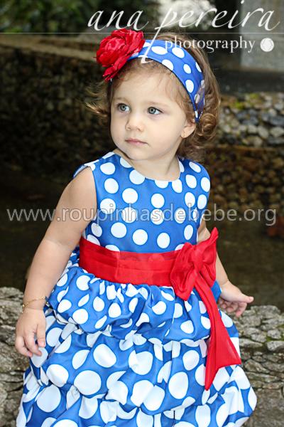 vestido infantil azul e vermelho