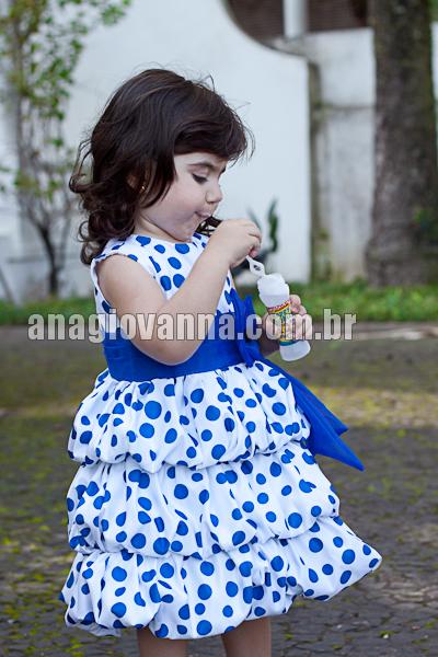vestido galinha pintadinha branco com poa azul