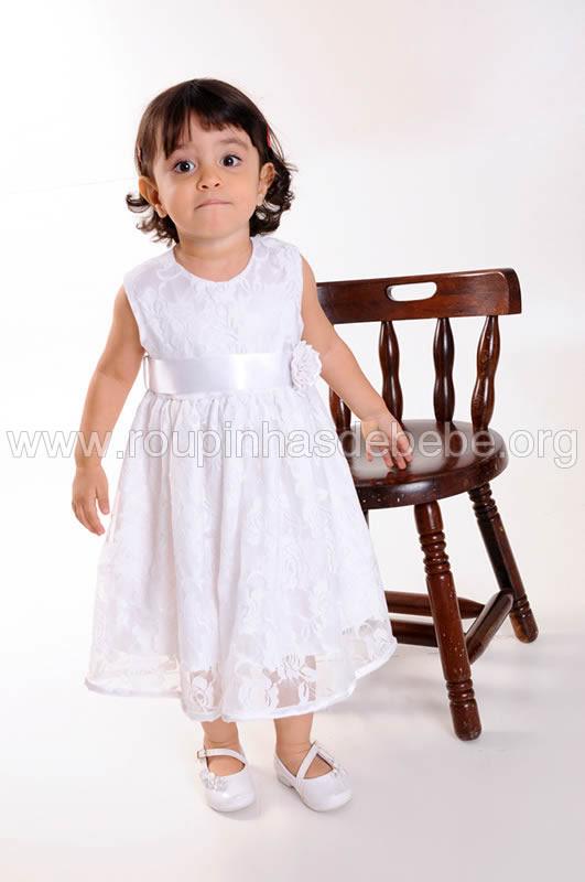 vestido infantil de renda branco