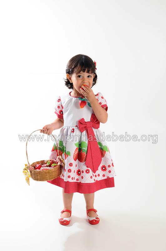 vestido moranguinho de festa infantil