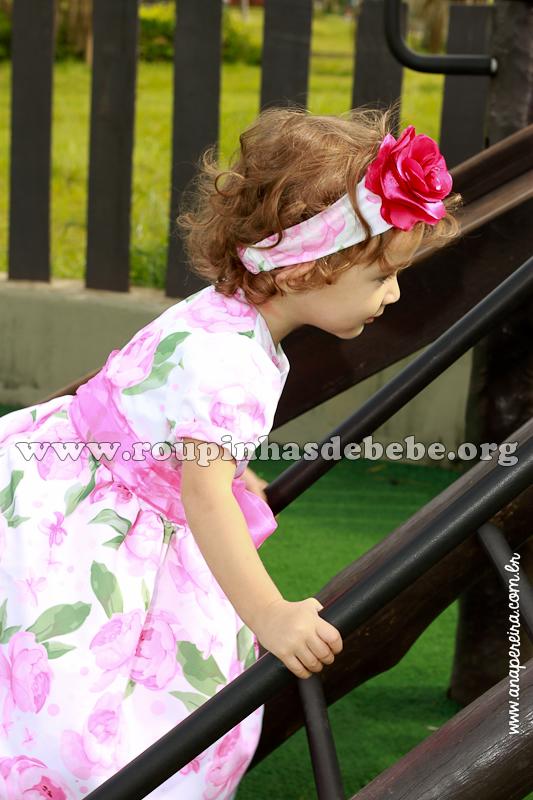 vestido floral rosa