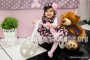 vestido marrom e rosa de bebe