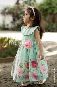 roupa floral infantil